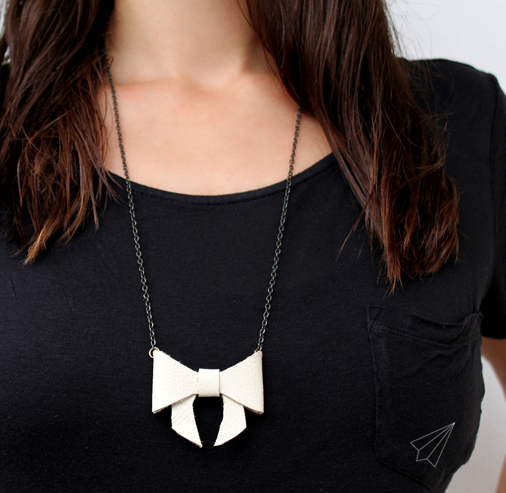 bow necklace long