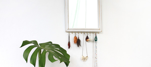 jewellery display mirror