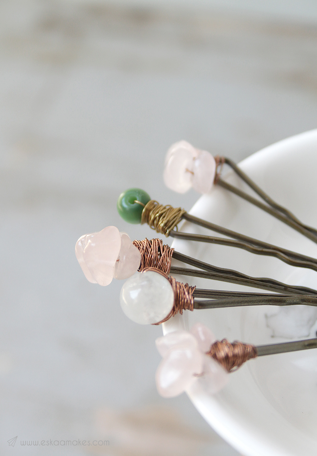 How to make: boho hairpins with gemstone beads