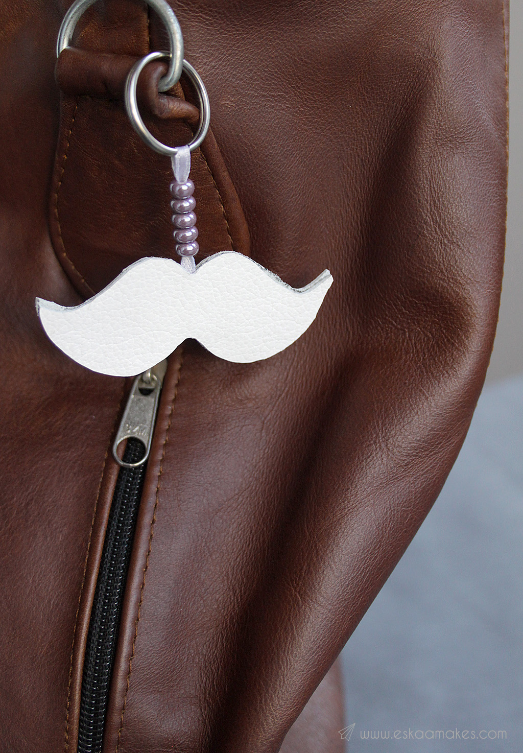 diy moustache key ring