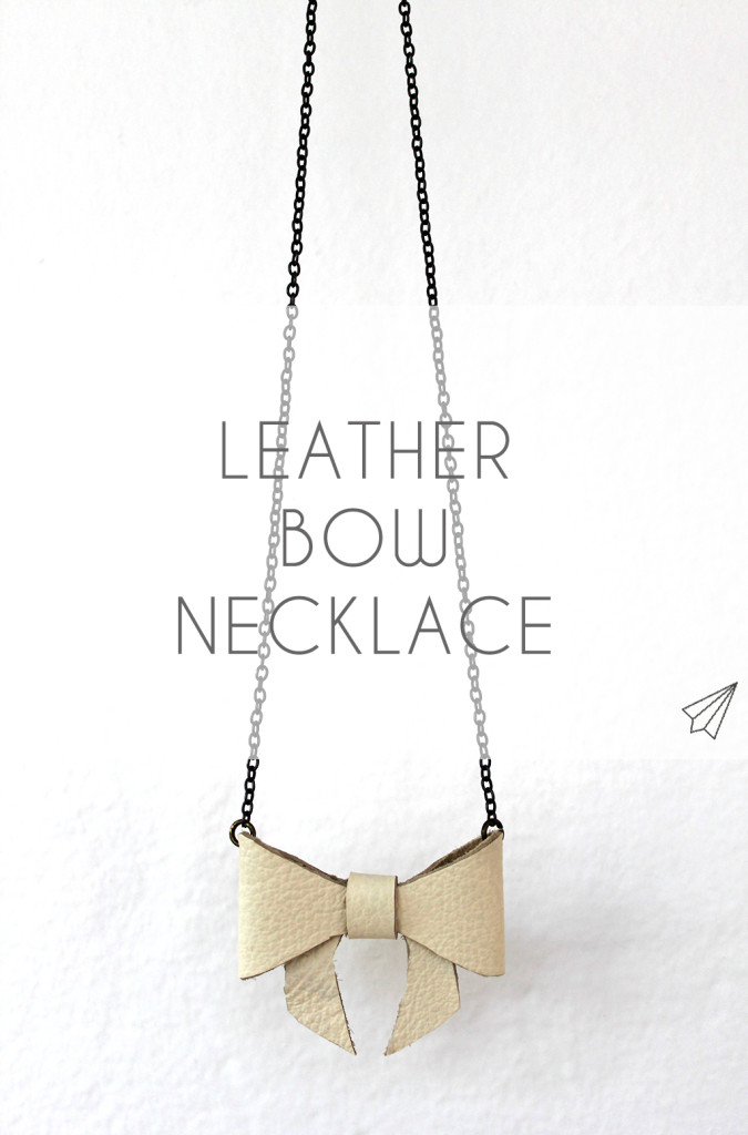 bow necklace title