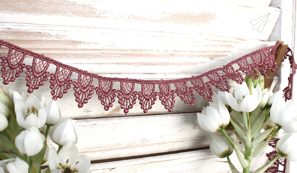 earrings lace border