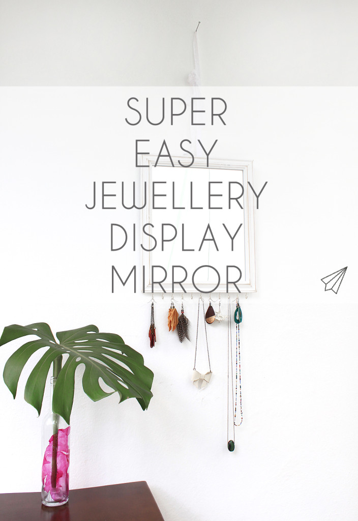 jewellery display mirror title