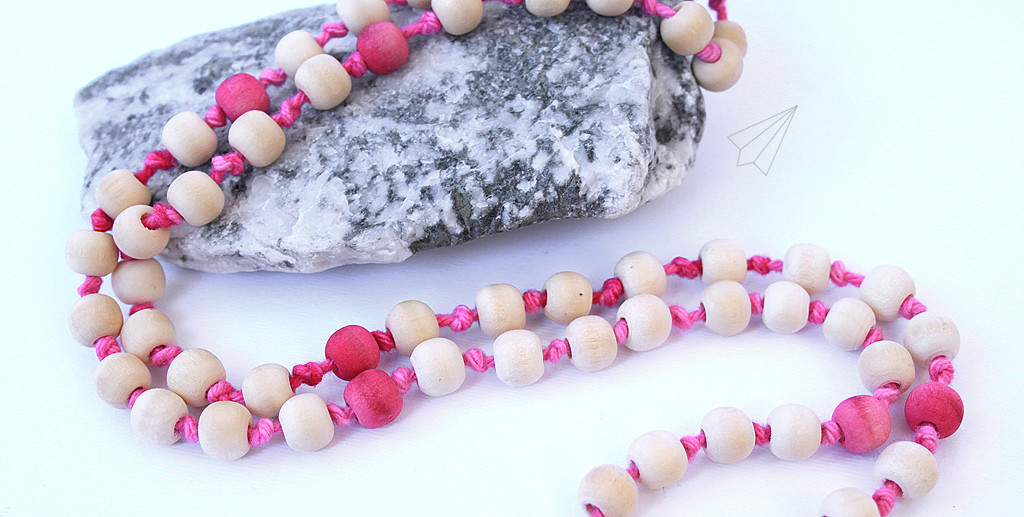 wooden bead tassel necklace pink 1