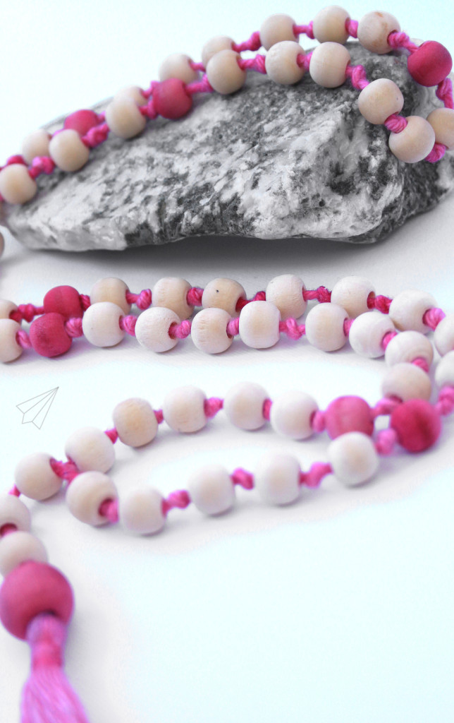 wooden bead tassel necklace pink 3