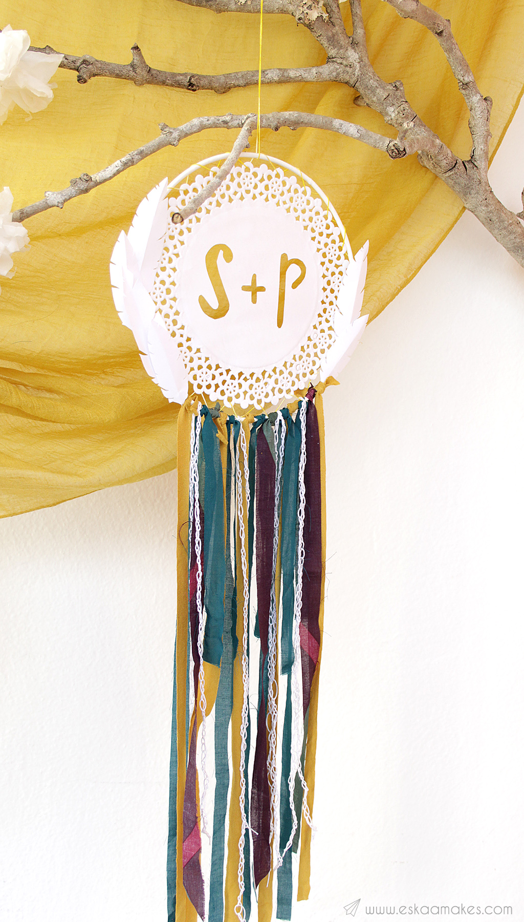 diy-paper-doily-dreamcatcher-1