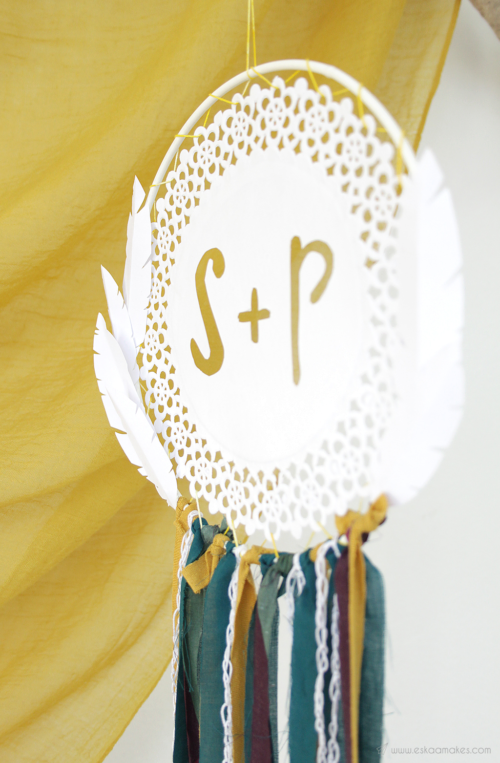How to make: paper doily dreamcatcher » [es.kaa.] makes