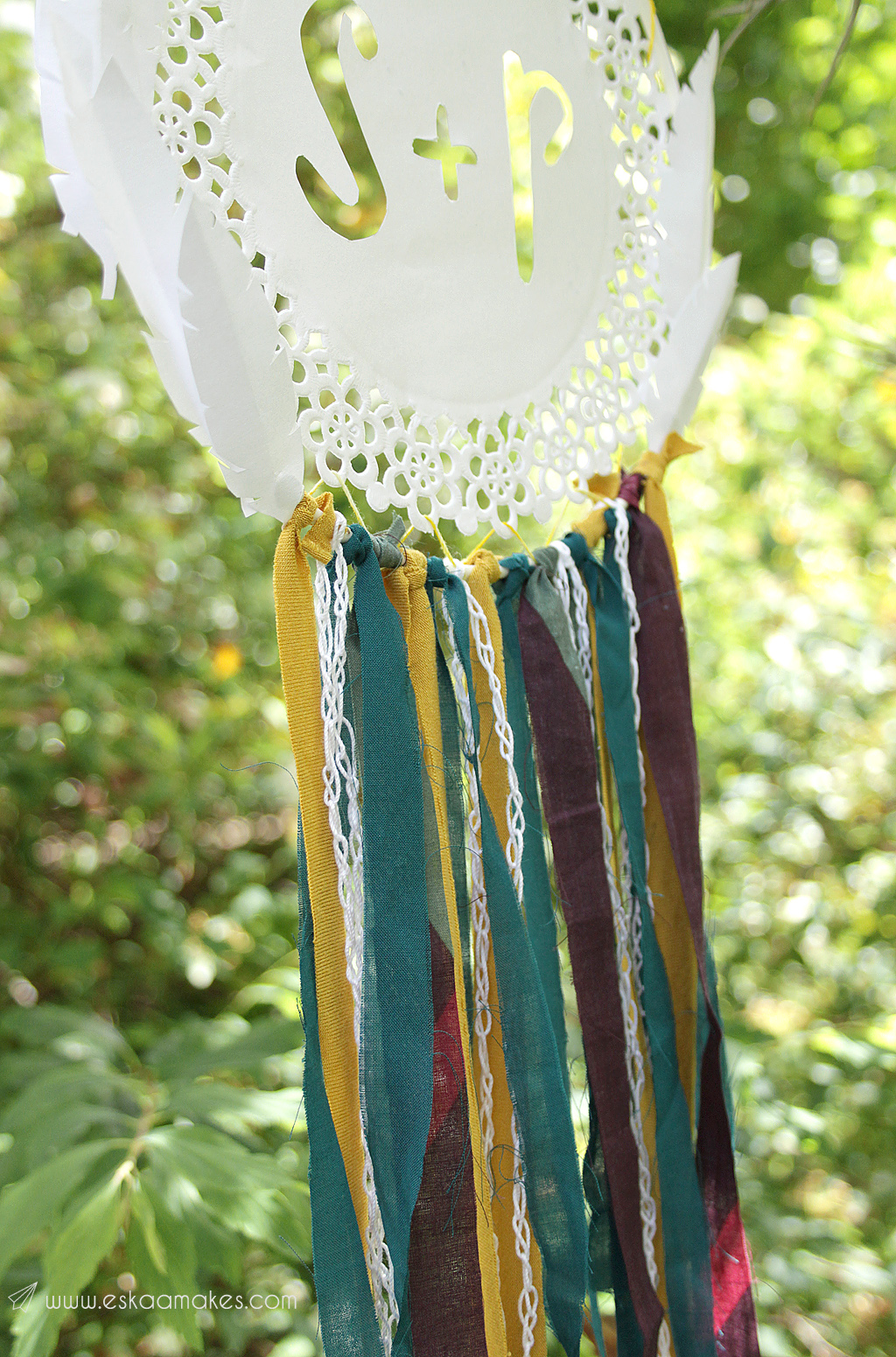 diy-paper-doily-dreamcatcher-5